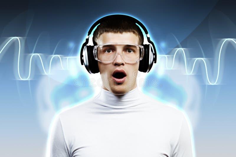 Download Любитель музыки стоковое фото. изображение насчитывающей наушники - 41650002