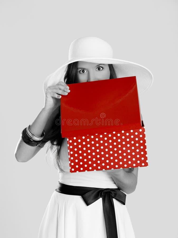 Download любознательная девушка стоковое изображение. изображение насчитывающей праздник - 18384083