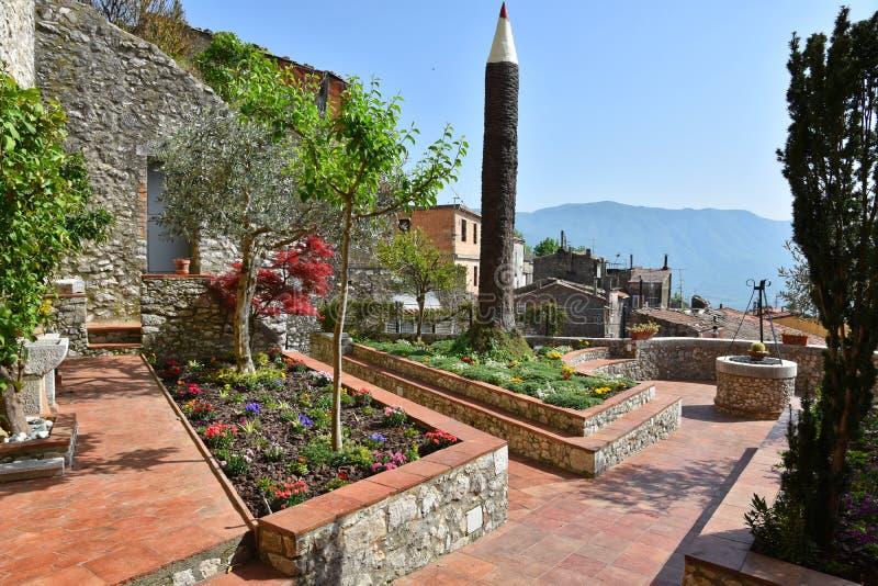 Любопытная скульптура в итальянском саде стоковое фото