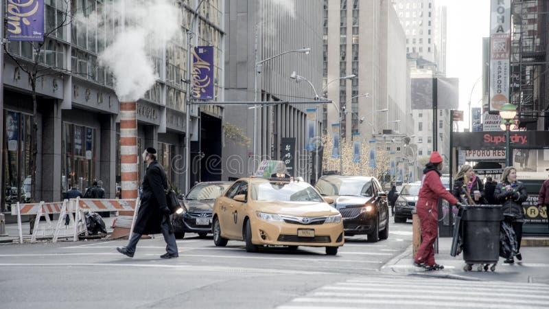 Люди в большом городе o Нью-Йорке стоковая фотография