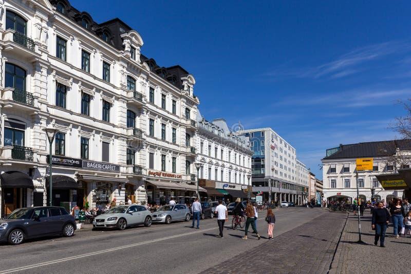 Люди в центре города Malmo стоковое изображение