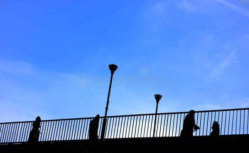 люди моста стоковое фото