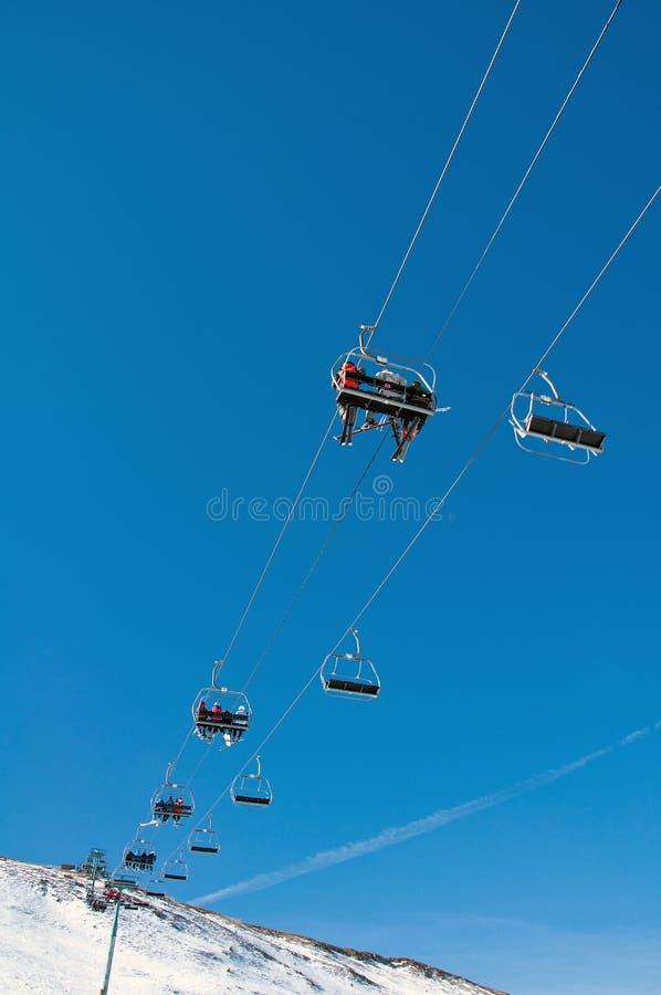 Люди на chairlift стоковое фото