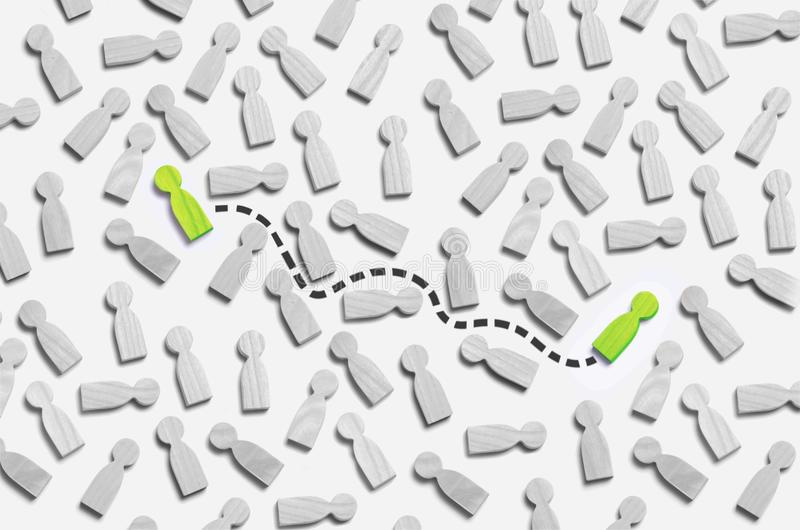 Люди связи между 2 в серой толпе людей Соединение соединено пунктирной линией до 2 люд Бизнес стоковое изображение rf