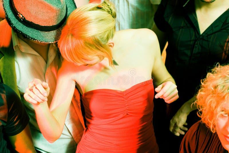 люди танцы клуба стоковое изображение rf