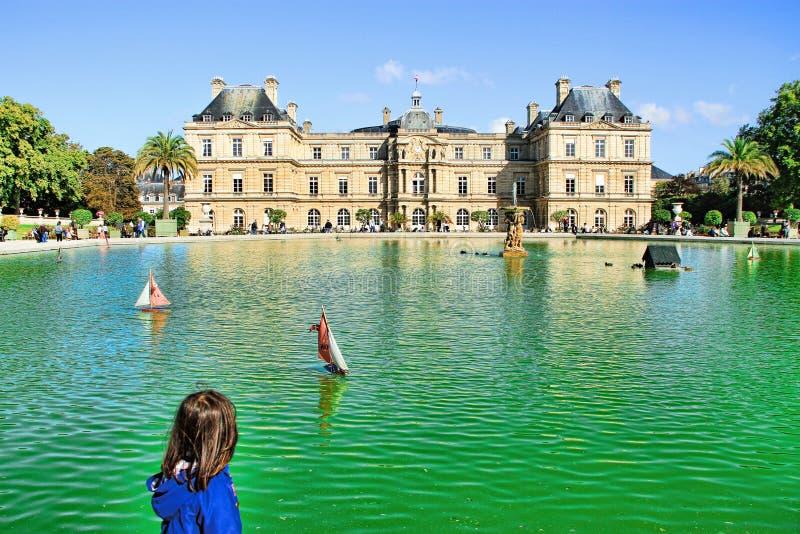 Люксембургский сад в Париже, Франции стоковое изображение rf