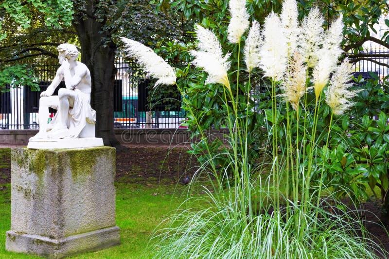 Люксембургский сад (Jardin du Люксембург) в Париже, Франции стоковые изображения
