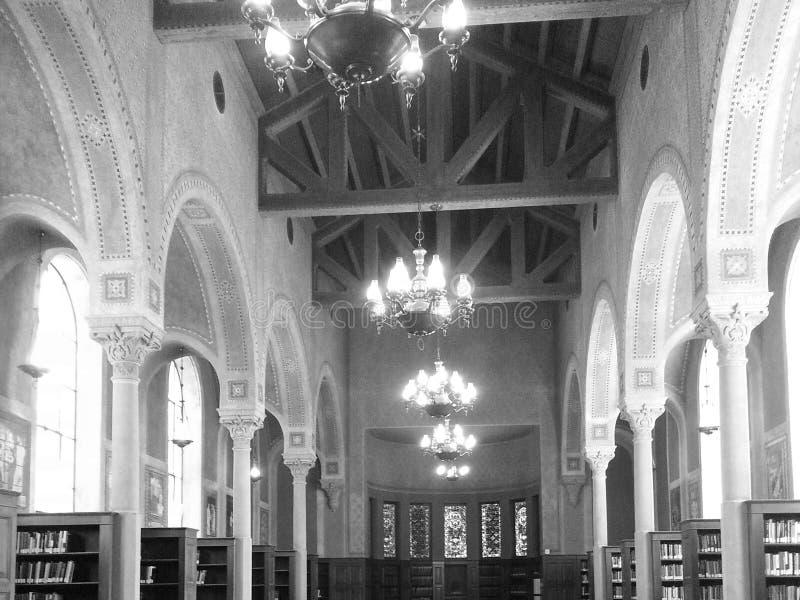 Люстры библиотеки стоковое фото