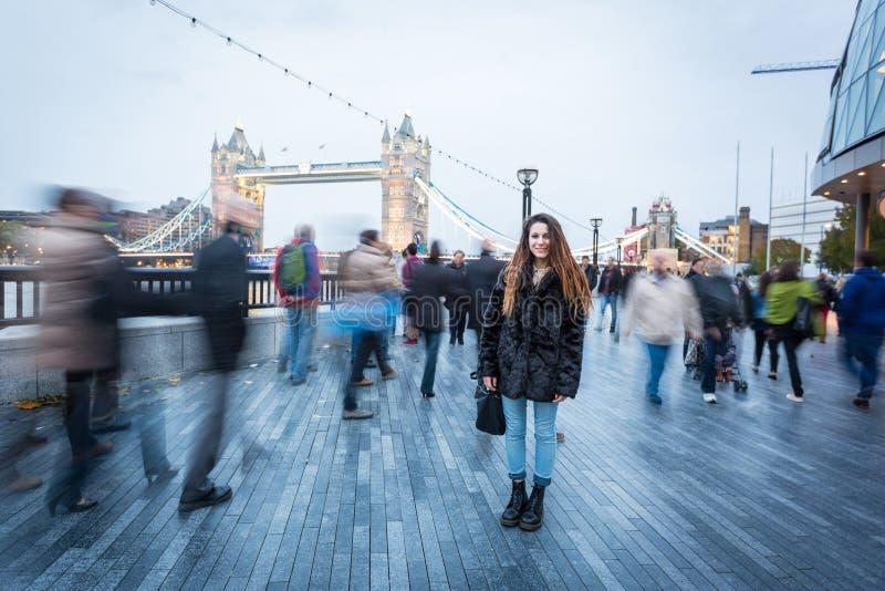 Люди в Лондоне стоковая фотография
