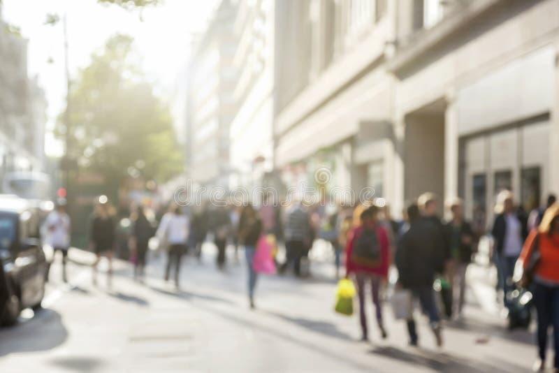 Люди в bokeh, улице Лондона
