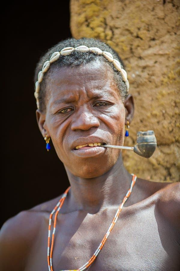 Люди в Kara, ТОГО стоковые фото