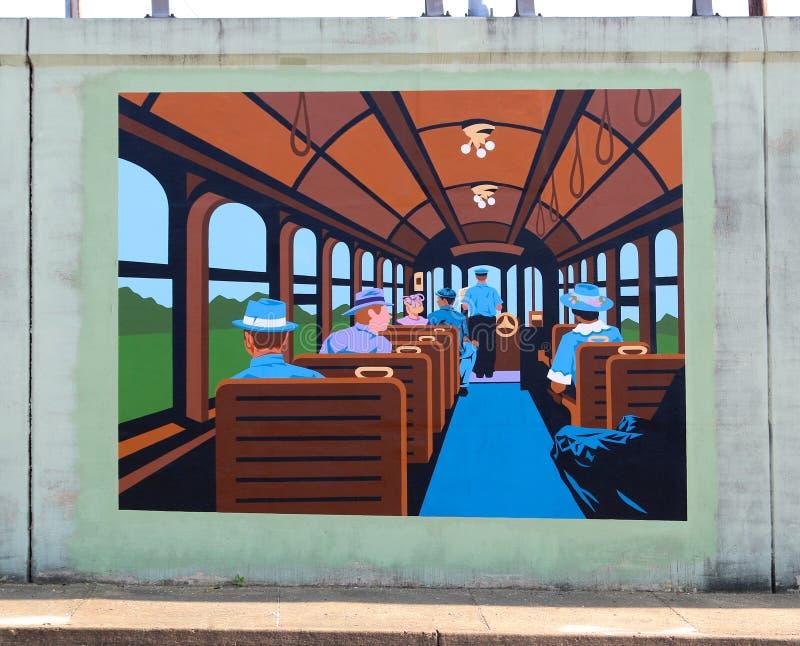 Люди ехать на настенной росписи поезда на дороге Джеймс в Мемфисе, Теннесси стоковые фото