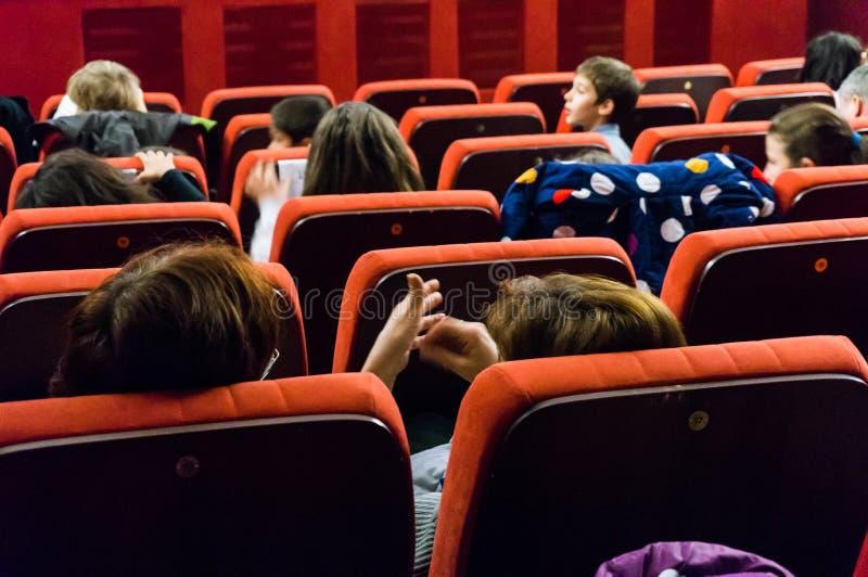 Люди на кино стоковые изображения