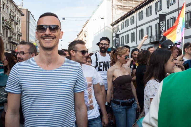 Люди на параде гей-парада 2013 в милане, Италии стоковые изображения rf