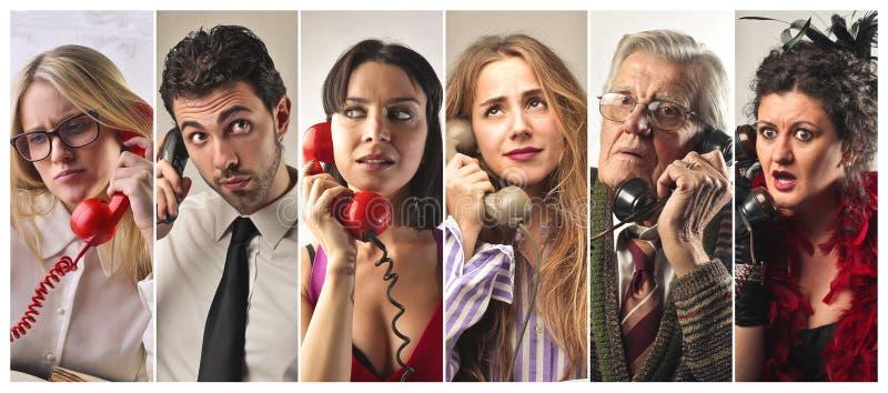 Люди на телефоне стоковые фотографии rf