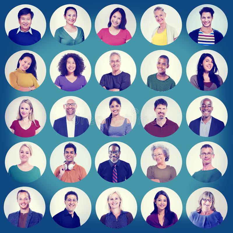 Люди смотрят на концепцию группы портрета многонациональную жизнерадостную стоковая фотография rf