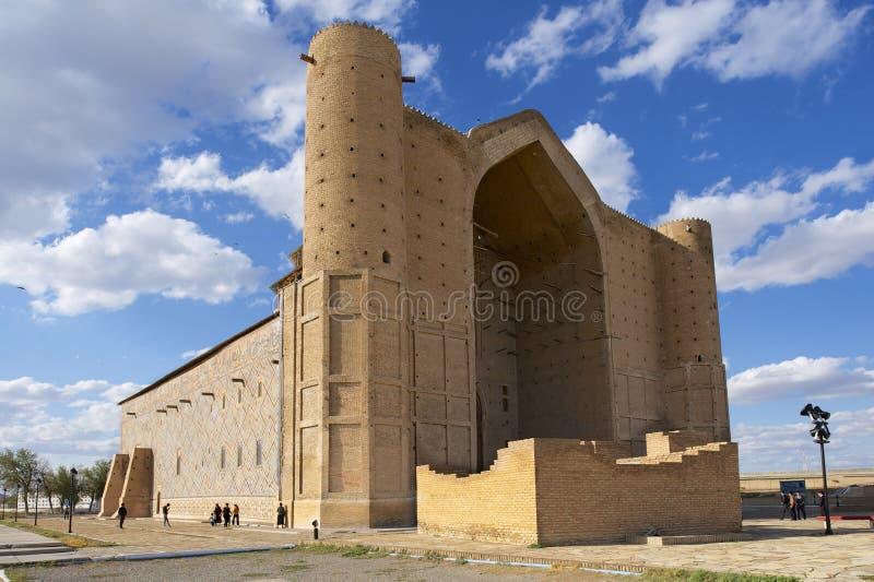 Мавзолей Khoja Ahmed Yasavi в Turkistan, Казахстане стоковые изображения rf