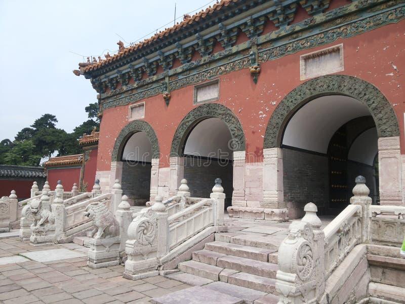 Мавзолей Zhaoling стены Династи-дракона Qing стоковые фотографии rf