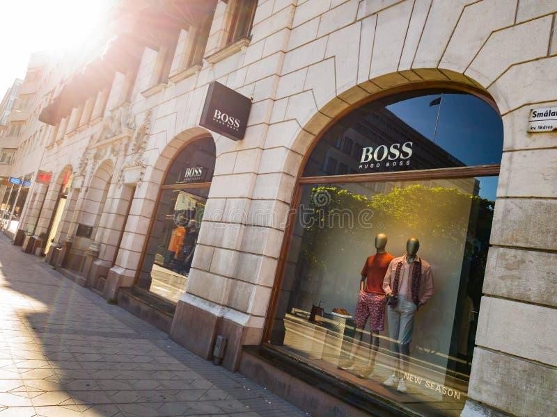 Магазин босса Хьюго БОССА в ПЕРЕДОВИЦЕ Стокгольма стоковые изображения rf