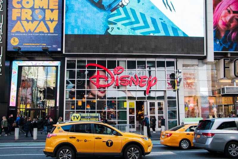Магазин Дисней расположенный в Манхэттене в Таймс-сквер в сердце если  стоковое фото rf