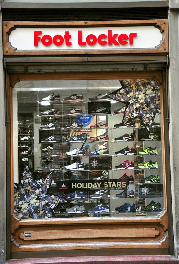 магазин локера Италии ноги стоковое изображение rf