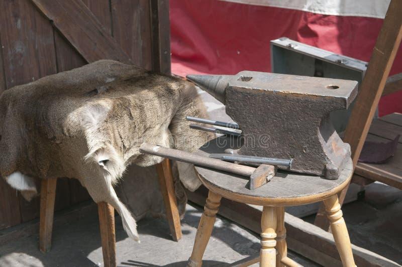 магазин молотка s blacksmith наковальни стоковые фото