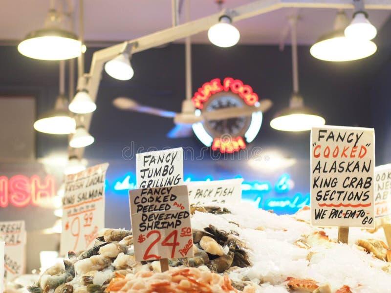 Магазин морепродуктов в рынке места Pike стоковые изображения rf