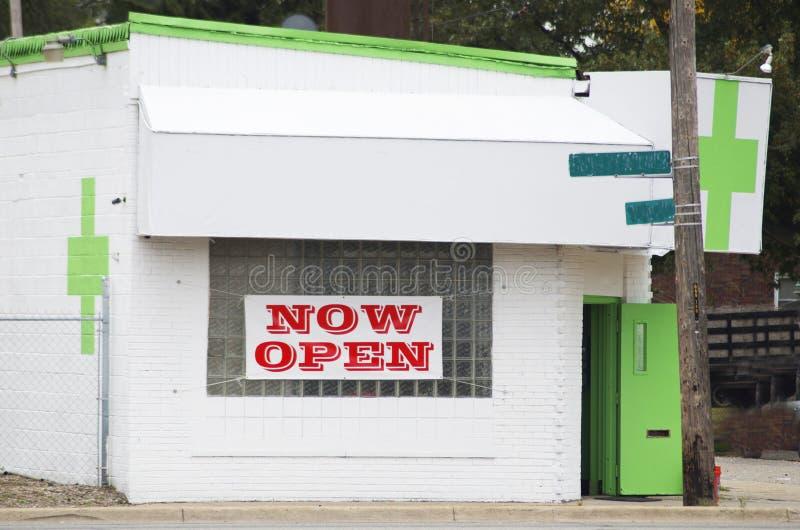 Магазин профилактория марихуаны стоковое фото