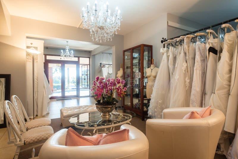 Магазин платья свадьбы стоковые изображения rf