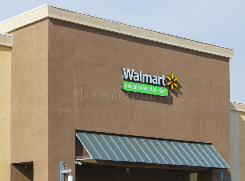 Магазин рынка района Walmart стоковое фото