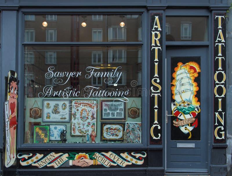 Магазин салона татуировки стоковые фотографии rf