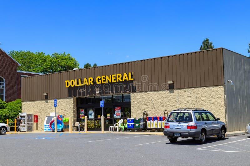 Магазин со смешанным ассортиментом доллара стоковое изображение