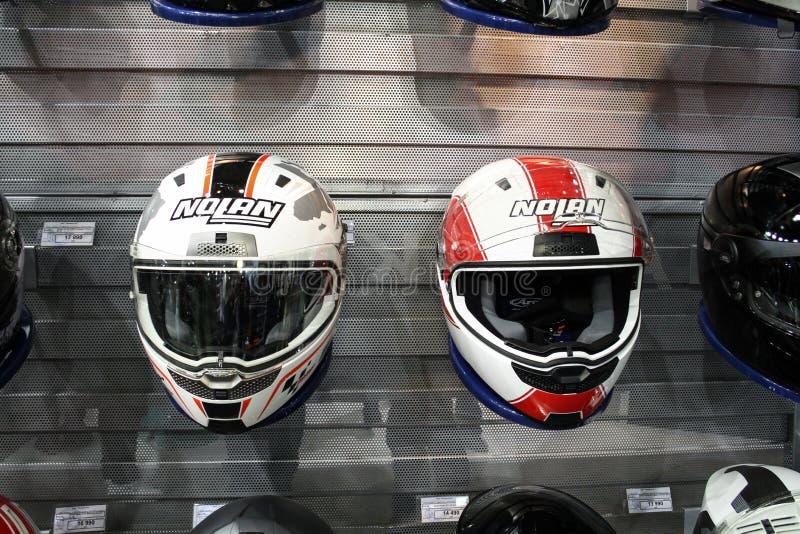 магазин 2 шлемов стоковое изображение