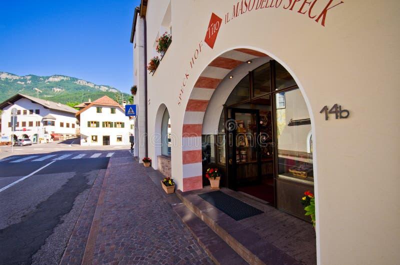 Магазин Castelrotto местный стоковое фото rf