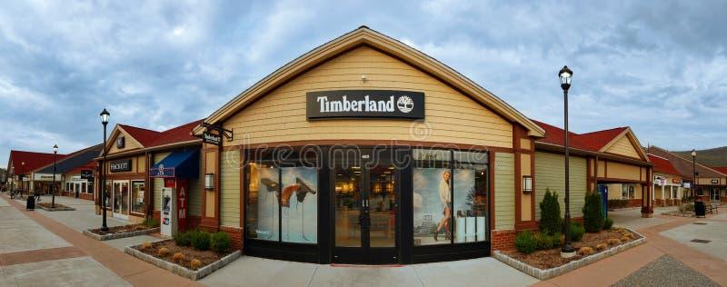 Магазин Timberland в моле выхода Woodbury общем наградном стоковое изображение rf