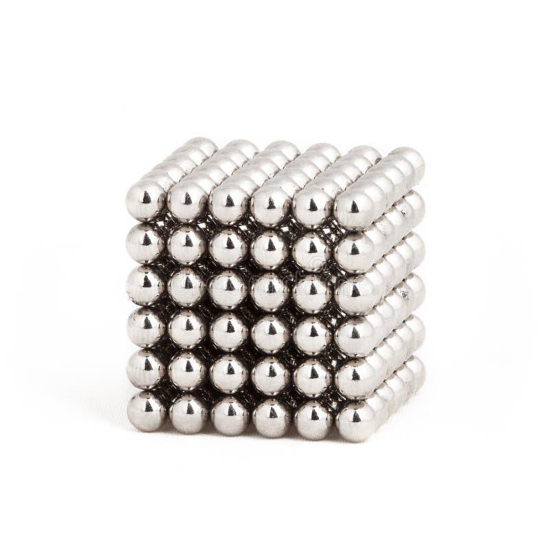 Магнитные металлические шары в форме куба стоковая фотография