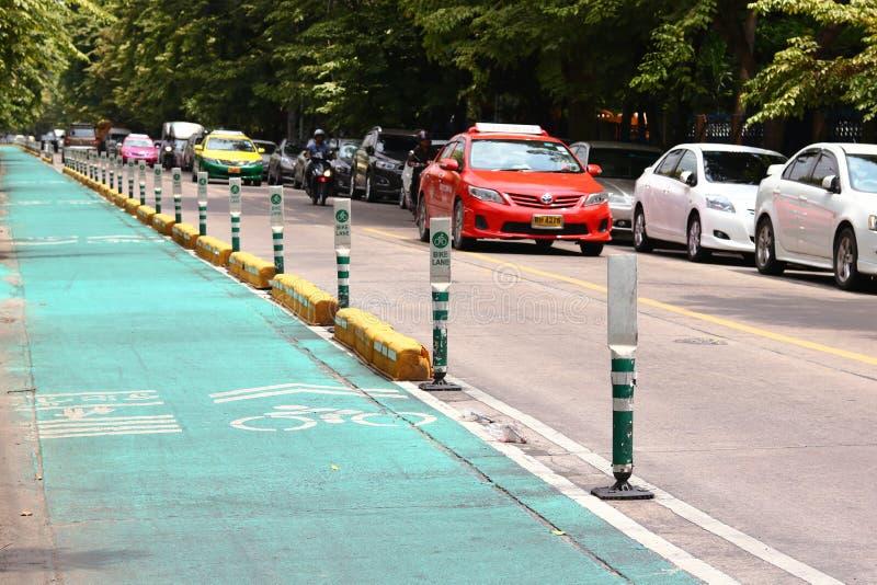 Майны велосипеда около парка Wachirabenchathat стоковая фотография rf