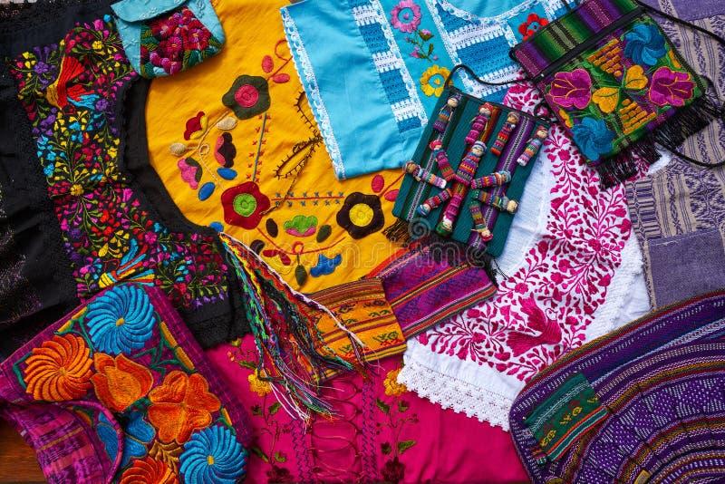 Майяский мексиканец handcrafts смешивание сувениров стоковые фотографии rf