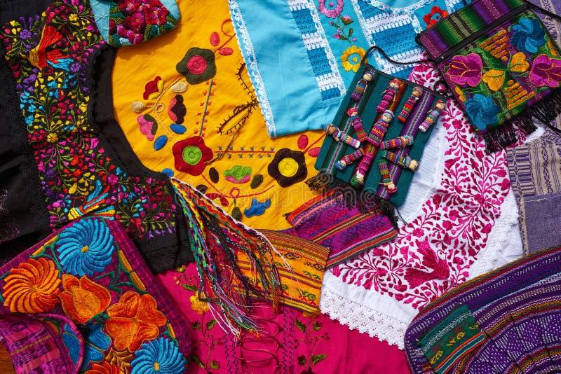 Майяский мексиканец handcrafts смешивание сувениров стоковые изображения