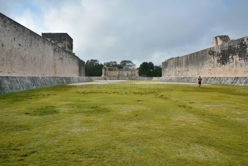 Майяское археологическое место Chichen Itza, Юкатана, Мексики стоковое изображение rf