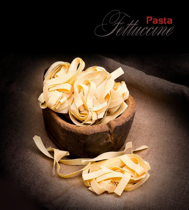 макаронные изделия итальянки fettuccine стоковые изображения