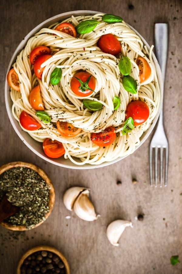 Макаронные изделия с оливковым маслом стоковые фотографии rf