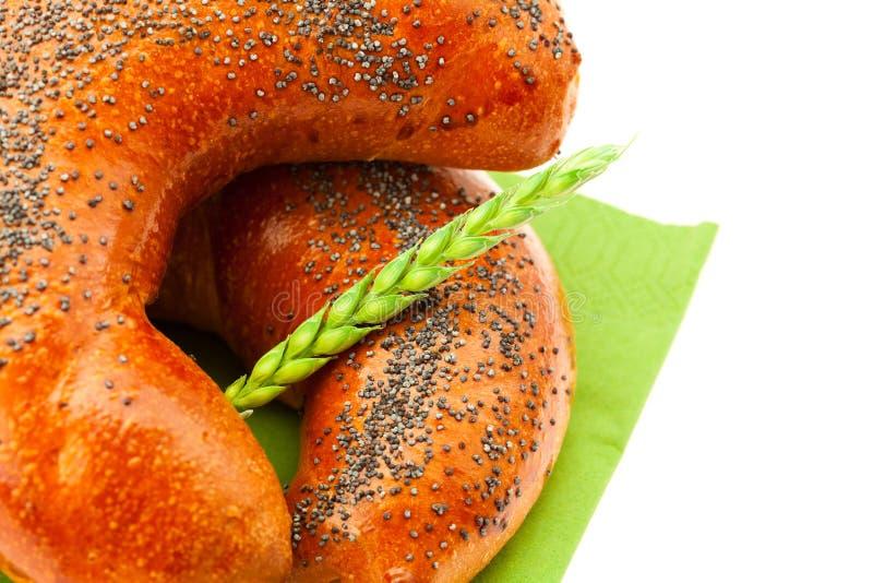 маковые семенена хлеба изолированные ухом белые стоковая фотография rf