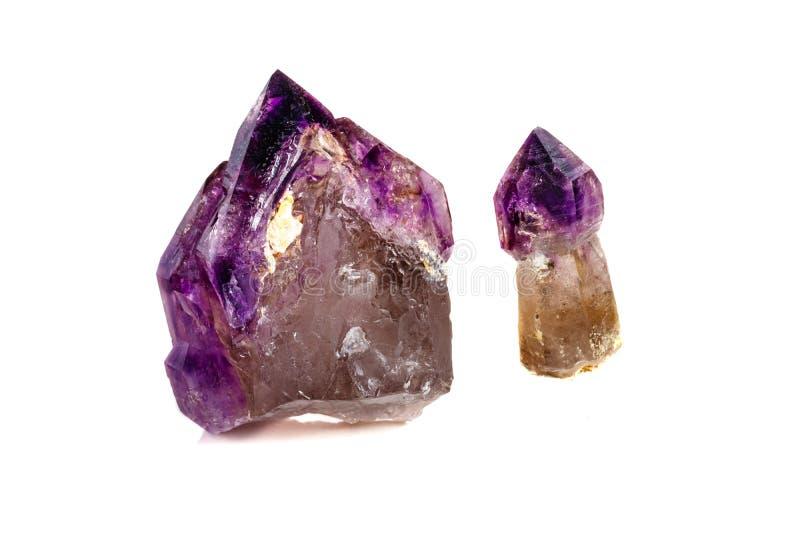 Макроса минеральный каменный аметиста кварц совместно закоптелый, rauchtopaz на белом конце предпосылки вверх стоковая фотография