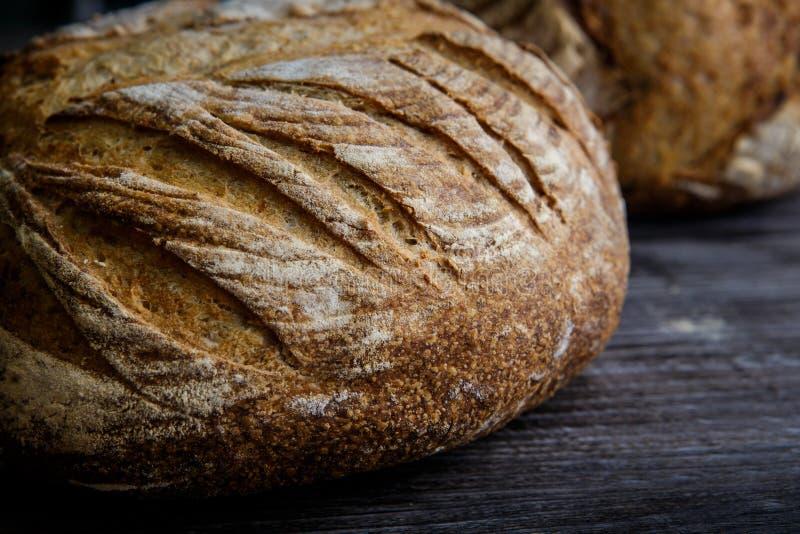 макрос всего домодельного круглого белого хлеба пшеницы стоковое изображение