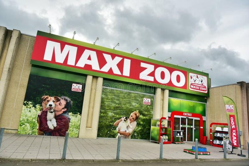 Макси магазин зоопарка стоковые изображения