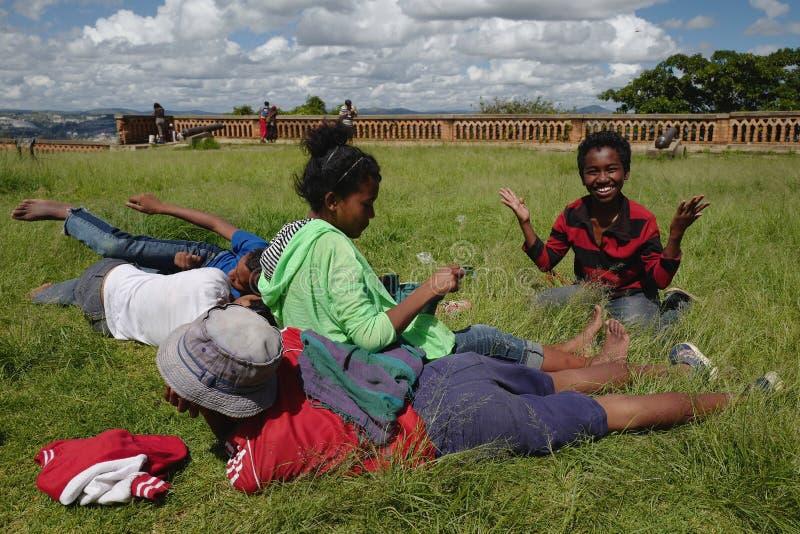 Малагасийские дети в Антананариву, Мадагаскаре стоковые изображения