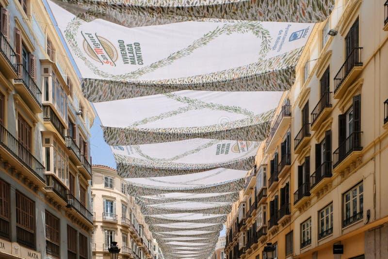 МАЛАГА, ANDALUCIA/SPAIN - 5-ОЕ ИЮЛЯ: Взгляд центра города Mal стоковые изображения