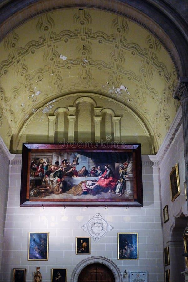 МАЛАГА, ANDALUCIA/SPAIN - 5-ОЕ ИЮЛЯ: Внутренний взгляд кафедры стоковые фото