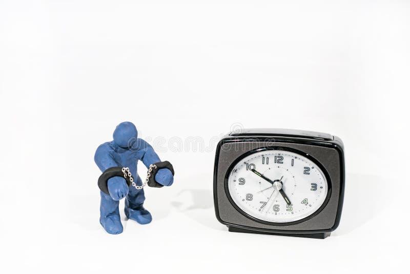 Малая голубая диаграмма в наручниках Сделанный от глины игры стоковое фото rf